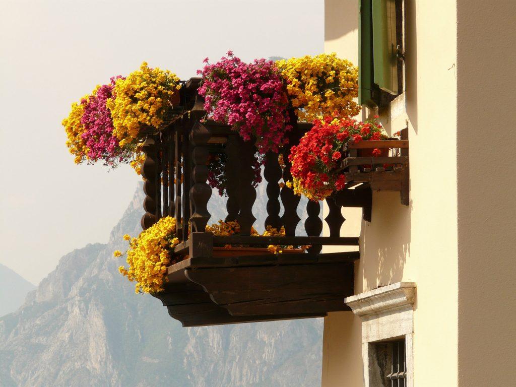 Feng shui - cvetni balkon