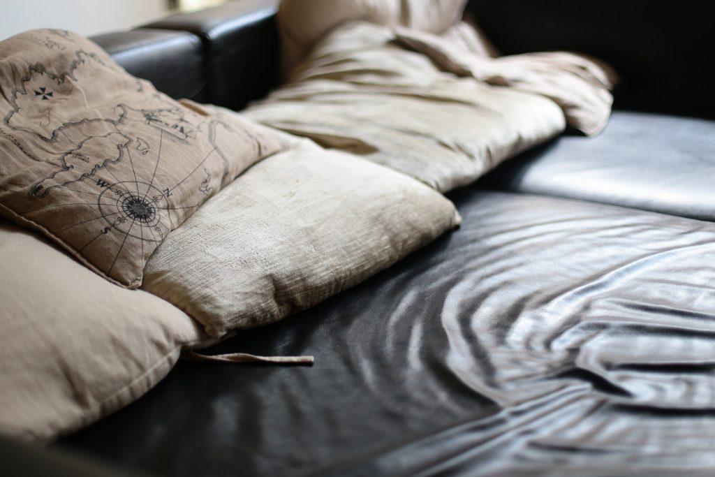jastučnice u zemljanim tonovima