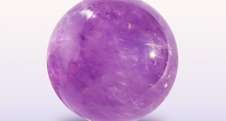 kristalna kugla ametist