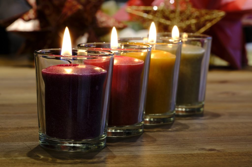 sveće u dekoru